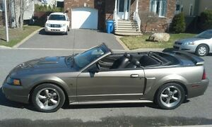 Super belle ! 2002 Ford Mustang GT Cabriolet, parfaite condition