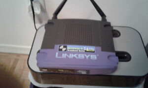 ROUTER WIRELESS-G LINKSYS 2.4 GHZ  BROADBAND 54 MBPS