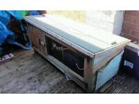 Rabbit / guinea pig hutch with accessories