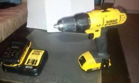 DeWALT 18V XR lion drill with battery