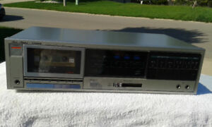 FISHER Stereo Cassette Deck Player / Recorder CR-127