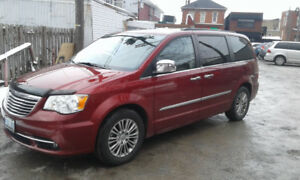 2013 Chrysler Town & Country, LOADED! LOADED! LOADED!