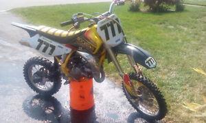 2001 suzuki rm85 2 stroke dirtbike 1500$ obo