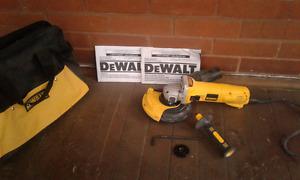 Dewalt Concrete Grinder with Dust Shroud