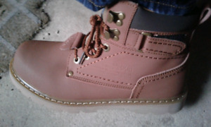 Mens Leather Boots (brand new)