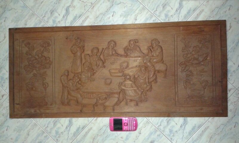 EXTREMELY RARE COLLECTABLE VINTAGE SOLID WOOD CRAVING WALL DISPLAY.