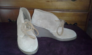 Women's shoes size 5