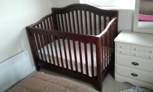 CRIB AND OTHER KIDS ITEMS AVAILABLE