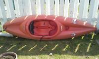 Kayak + gillet et pompe + pagaie