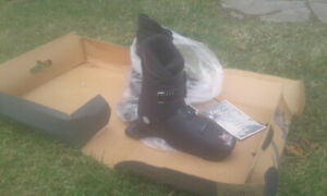 Sled dogs snow skates new $25 a pair p/u or shipping possible