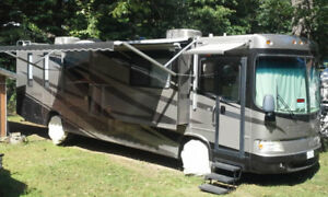 Forest River 40' Motorhome. NEW EQUIP & Still has Warranty!