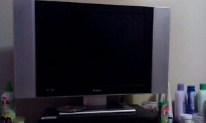 selling a in good condition flat screen tv