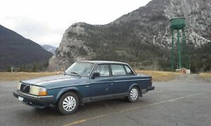 1988 Classic Volvo 240 - Awesome Condition - Florida Car