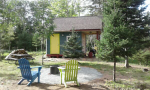 Minimalist Tiny House Retreat $67/night Tatamagouche NS