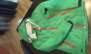 Manteau d'hiver pour femme. Grandeur médium. Vert et rose.
