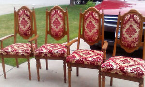 4 Beautiful Vintage Dining Room Chairs
