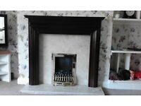 Fireplace / fire surround