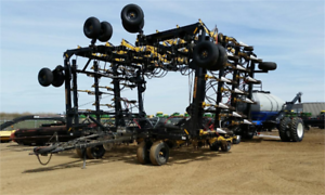 2008 Seed Master 6612 W/ NH SC430 Air Drill