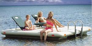 Radeau Deluxe  Quais / Swim Raft Dock