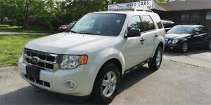 2011 Ford Escape XLT, Sunroof and leather seats