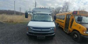 2002 CHEVROLET EXPRESS AUTOMATIQUE DIESEL 20 PASSAGERS ROULE BIE