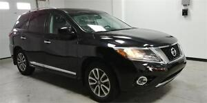 2014 Nissan Pathfinder SL 4X4, Pano roof, B.camera, no accident!