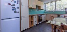Split level 3/4 bedroom in Ladbroke grove/ Latimer Road Station