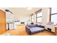 ********* Amazing two Bed In Finchley - £370.00 P/W***********