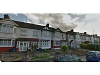 4 Double bedroom Terrace House With DriveWay Availble