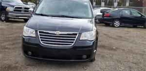 2008 Chrysler Town & Country Touring- WITH NAVIGATION