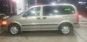 2001 CHEVY VENTURE WITH ONLY 90000KMS..RUNS AND LOOKS EXCELLENT!