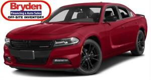 2017 Dodge Charger SXT / 3.6L V6 / Auto / AWD *Just 68K*