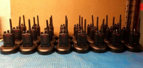 Lot of 24 Motorola Mag One BPR40 Two-Way Radio w/ Charger AAH84RCS8AA1AN