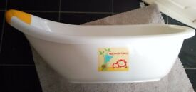 Free Excellent condition baby bath mothercare