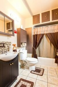 Reduced! Perfect for first time buyers or as investment property Windsor Region Ontario image 3