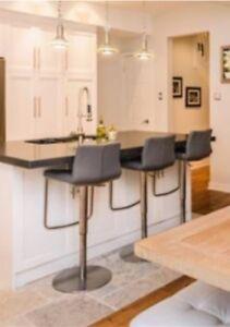 3 stools Maison Corbeil Gris