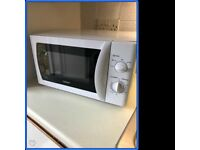 Microwave 800w White