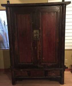 ANTIQUE CHINESE ARMOIRE