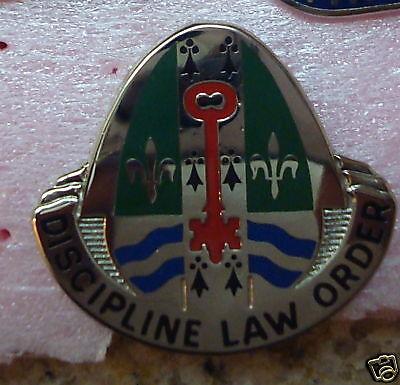 CREST,DI,  204th MILITARY POLICE Battalion ,s-38 hallmark