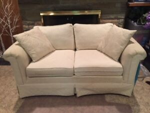Barrymore Classic Cream Love seat - Great Condition & Quality!