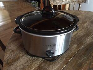 Mijoteuse Crock-Pot comme neuve/Slow cooker 2.8L