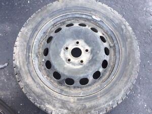 pneus hiver 215/55R16 sur rimes**Audi**
