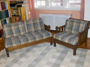 WANTED older wooden couch/sofa set