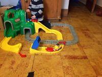 'LITTLE TIKES' LARGE MOUNTAIN ROAD & RAIL TRACK SET -