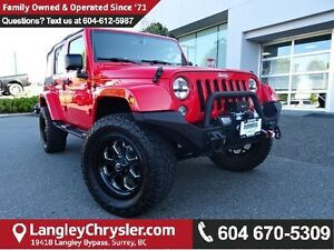 2015 Jeep Wrangler Unlimited Sahara w/ NAVIGATION & HEATED SEATS