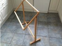 Floor standing frame for embroidery or tapestry