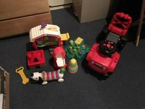 JEEP: LOT OF FIVE TOYS: FARM: EXCELLENT CONDITION