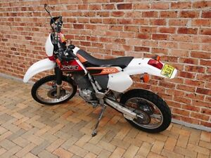 Honda XR400 Road Trail Bike - Registered - 2000 Model Wilton Wollondilly Area Preview