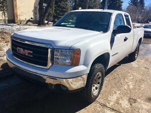 2008 GMC Sierra 1500 Club Cab V8 4X4 CLEAN TITLE* LOW KM, NO TAX