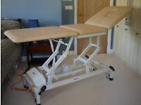 Akron Streamline Medical Couch / Examination couch / Treatment couch / Massage table - like new